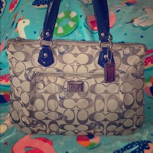 Coach Poppy Hearts Glam Tote Large
